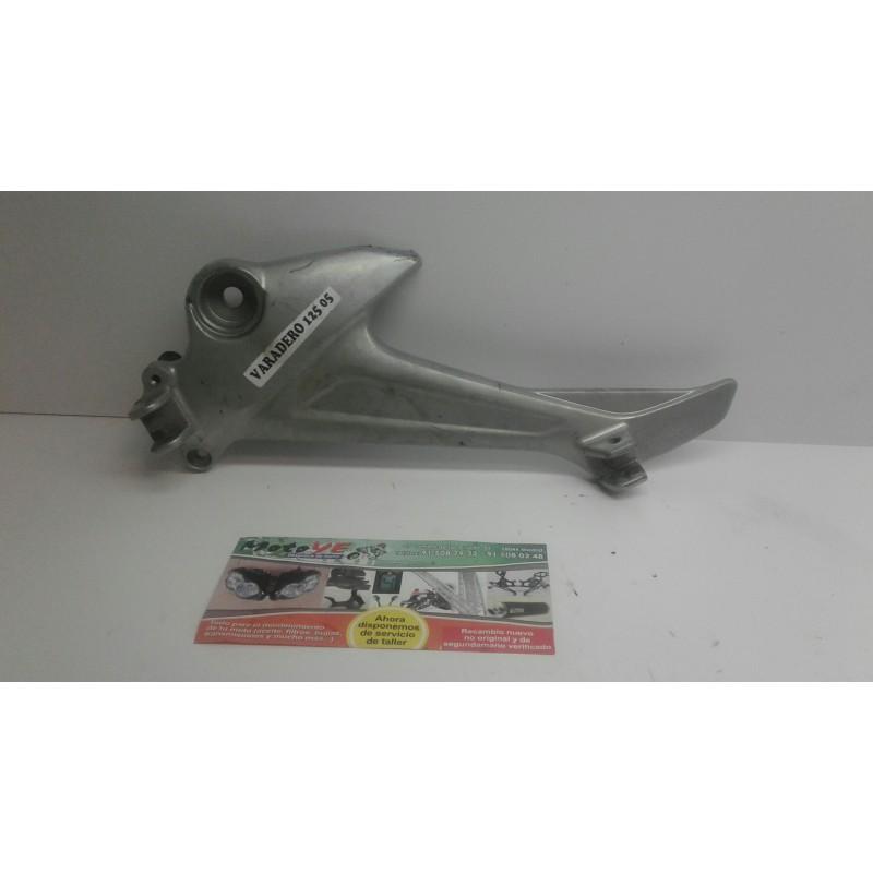 soporte estribo izq Honda Varadero 125 20